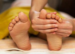 10 причин сделать массаж ног
